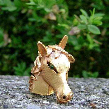 Horse Head Brooch - Animals