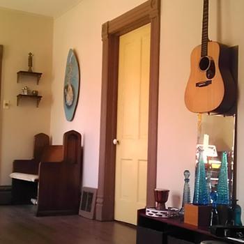 Music room - Music Memorabilia
