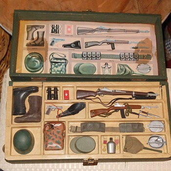 Vintage 1960s GI Joe Footlocker - Toys