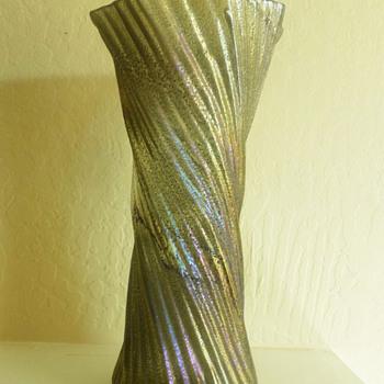 Silvestri Twist Vase - Art Glass