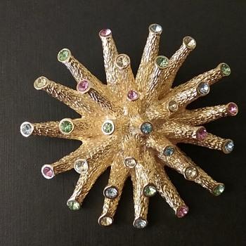 Les Bernard brooch & earrings set  - Costume Jewelry