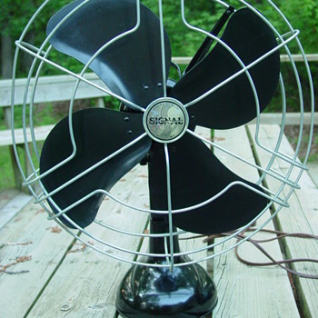 1940s Signal Model 1251 Black 3-Speed Oscillating Fan - Tools and Hardware