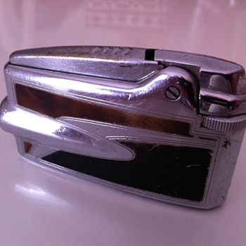 1950's Ronson Varaflame Lighter - Tobacciana