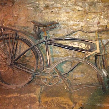 1937 schwinn autocycle.. Need to know - Sporting Goods