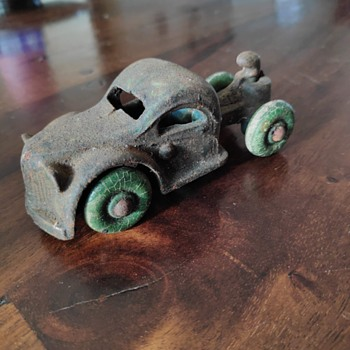 Are those Arcade or Hubley? - Model Cars