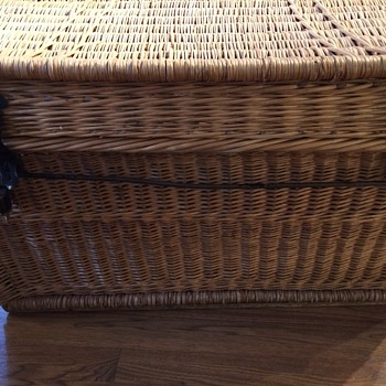 Traveling basket-trunk