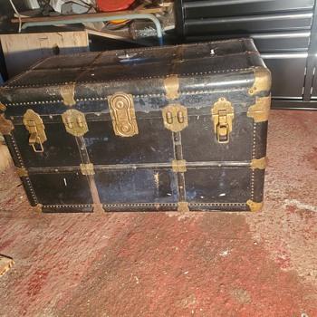 Trunk found in garage  - Furniture