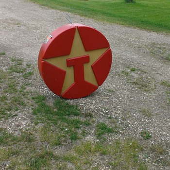 Antique texaco sign