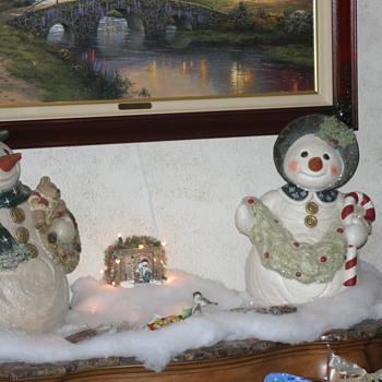 Walnut Ridge / Tall Snowman and Snowlady