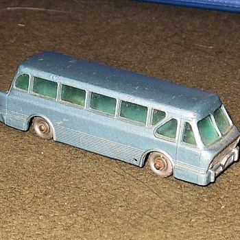 Laborious Labor Day Leyland Royal Tiger Coach Matchbox 40 - Model Cars