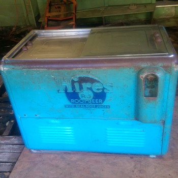 Hires Root Beer Electric Cooler from the 1940s.