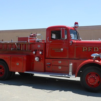 Antique Truck Show Fire Trucks and Buses - Firefighting