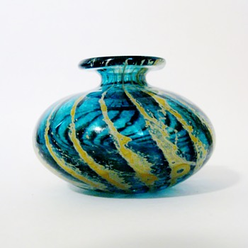 LEONARD SULLIVAN  - Art Glass