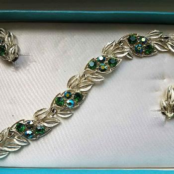 Vintage LISNER Blue-Green Rhinestone Bracelet & Earrings in Original Box - Costume Jewelry