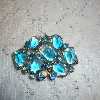 German 1940's  Brooch - Costume Jewelry