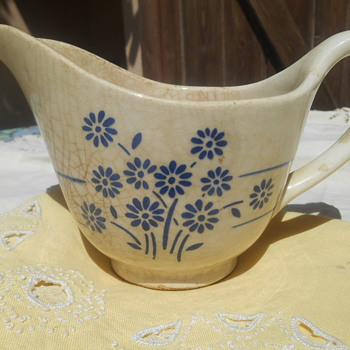 Petite Fleur 19th Century French Porcelain Sauce Boat - China and Dinnerware