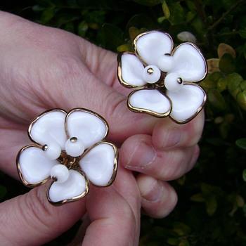Vintage Trifari Poured Milk Glass Earrings - Camellia - Costume Jewelry