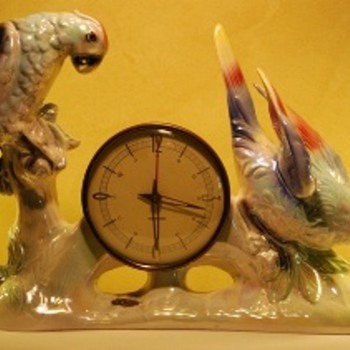 Jema Holland (425) Parrot Clock - Clocks