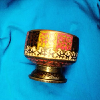 Collosin japanese antique pot