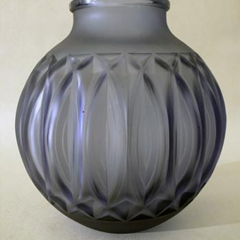 marius ernest sabino vase - Art Glass