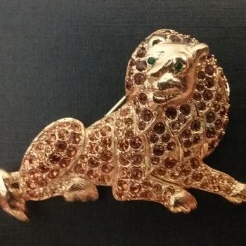 Trifari lion brooch  - Animals