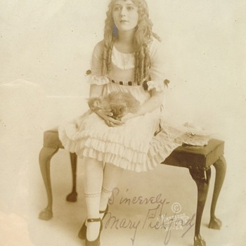 Mary Pickford autographed 8x10 - Movies