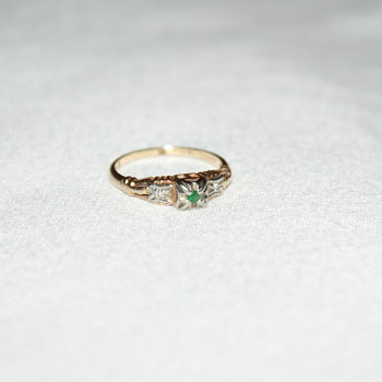 "Vintage Golden Ring with Small Emerald and Diamond Accents ""Bluebird"" - Fine Jewelry"
