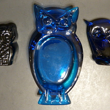 Viking Glass blue owls - Art Glass