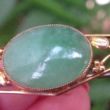 Antique 9 ct Gold Jade? Art and Craft Brooch - Arts and Crafts