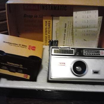 Kodak instamatic 104/outfit - Cameras