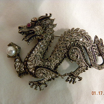 Rhinestone dragon - Costume Jewelry
