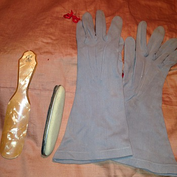Vintage Gloves, shoe horn and nail shiner - Accessories