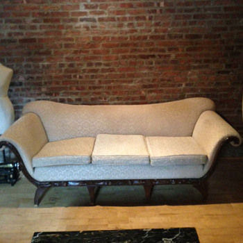 Need help identifying this sofa style