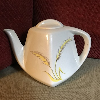 Teapot with wheat design