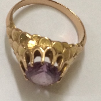 Mysterious Color Changing Gold Ring