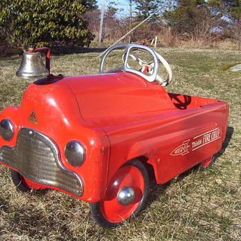 1955 Thistle Fire Chief - Model Cars