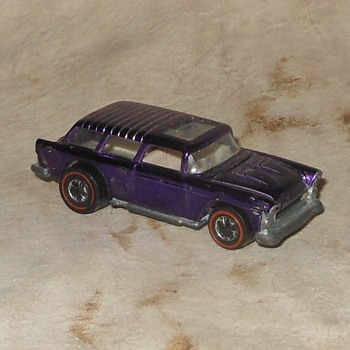 Hot Wheels Wednesday Classic Nomad 1970-1971 - Model Cars