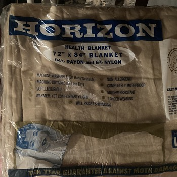 Vintage 60's Unopened Horizon blanket - Rugs and Textiles