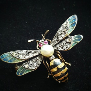 My best ever wasp insect brooch! - Fine Jewelry