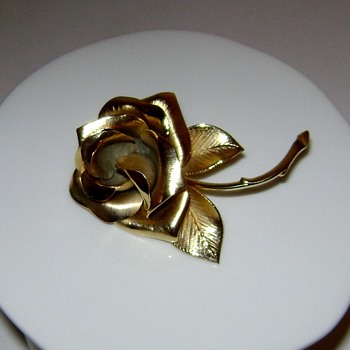 Giovanni Rose Brooch - Costume Jewelry