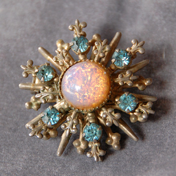 Vintage 1950-60's Brooch with Faux Opal Foil Glass and Rhinestones_Unknown Maker - Costume Jewelry