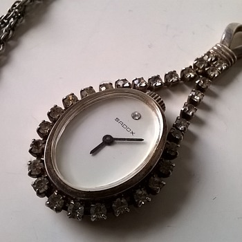 SADOX Manual Wind Rhinestone Paste Pendulum Watch - Clueless~! - Costume Jewelry
