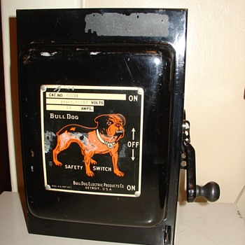 antique BULLDOG SAFETY SWITCH - Electronics