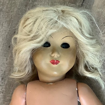 Need help identifying vintage doll, please! - Dolls