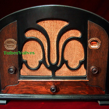 ATWATER KENT 246 Tube Radio 1933 - Radios