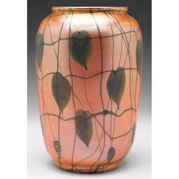 DURAND HEART AND VINE VASE c. 1925 - Art Glass