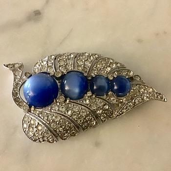 Pretty fur clip - Costume Jewelry