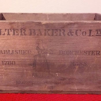old wooden BAKER'S CHOCOLATE box - Advertising