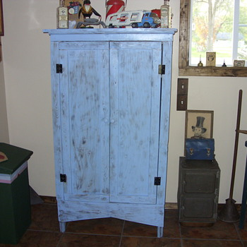 primitive jelly/jam cupboard - Furniture
