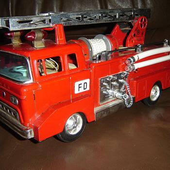 Toy Firetruck - Model Cars